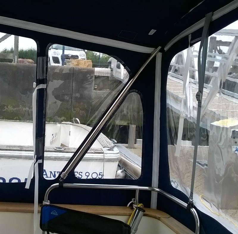 Fermeture totale pour bateau Elite 31 ACM Sellerie nautique SNA Bretagne